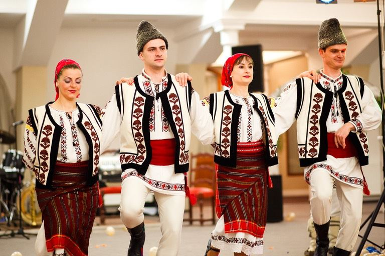 Romanian traditional costume - Ambient Residence - Brasov - Book at the  best Price for Ambient properties
